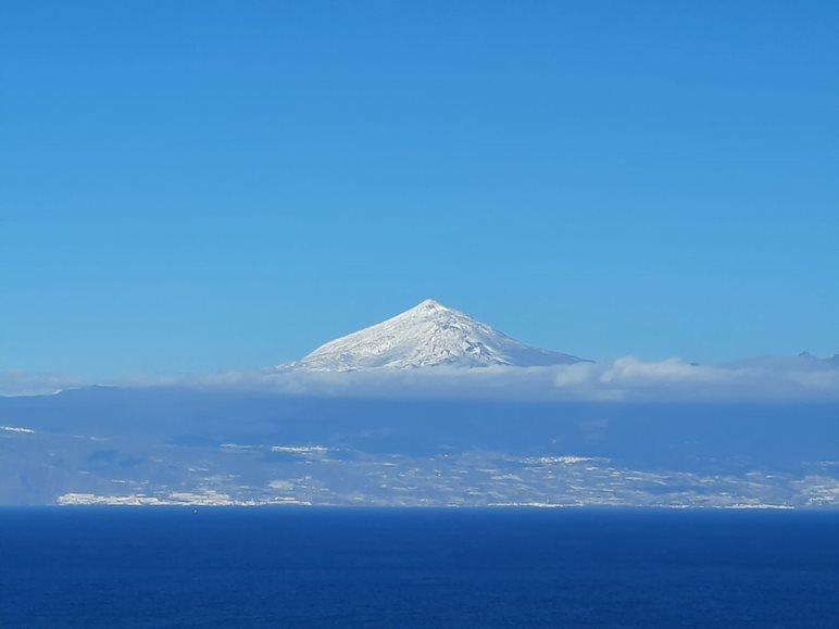 widok na Teide z La Gomery